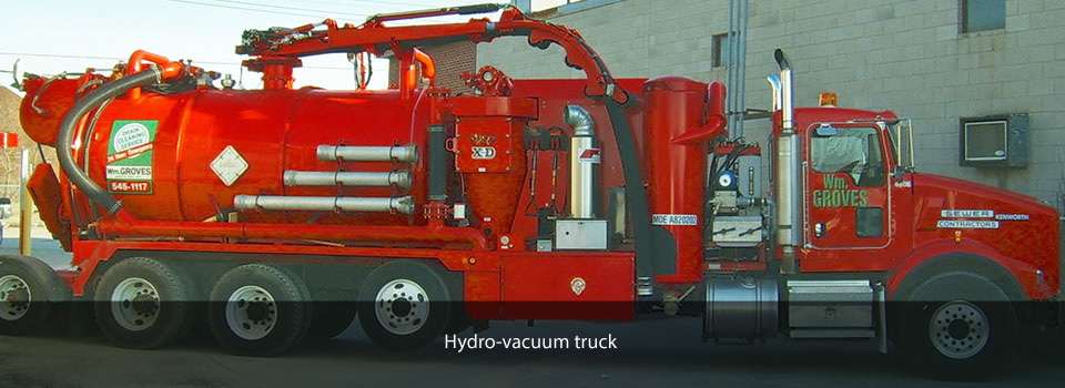 Hydro-vacuum truck excavating